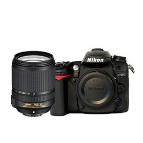 Nikon D7000 DSLR with 18-140mm Lens