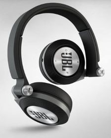JBL Synchros E-40BT On-Ear Bluetooth Headphone - Black
