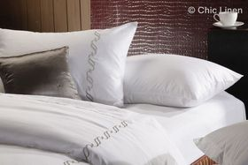 Chic Linen - Luxurious Egyptian Cotton Embroidered Plain White Duvet Cover Set
